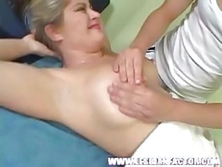 Nice MILF gets a sexy massage