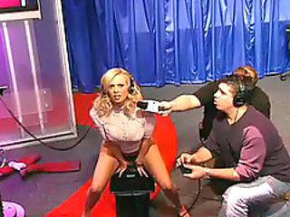 You Gotta See Jenna Jameson On The Sybian - Unbelievable!