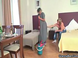 Cleaning woman gets her pussy filled