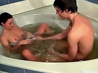 Oral sex in the bathtub for teens