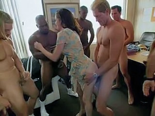 "Gang bang Girl30 part1"" target=""_blank"