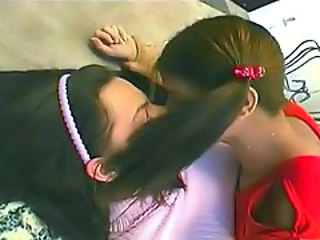 Bisexual Kissing School Strapon