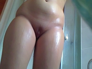 Mature Shaved Showers Voyeur