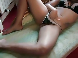 Black Dutch Girl In Threesome