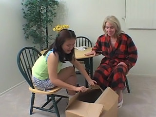 Old Grannies Gives Young Niece D...