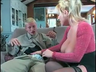 Young video gaming guy does blonde milf