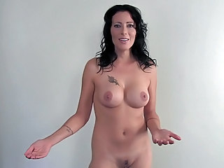 Brune Mature Nudisti