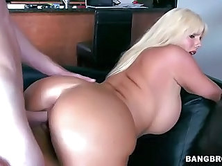 Curvy blonde MILF Karen Fisher gets slam fucked