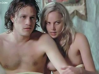 Spectacular Blonde Babe Abbie Cornish Shows Her Perfect Natural Rack