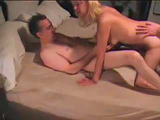 Amateur Homemade Threesome Wife
