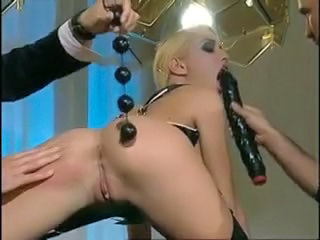 Blonde Dildo Groupsex Insertion