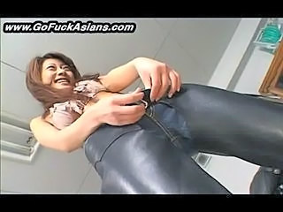 Asian bikerchick gets her pussy tickled