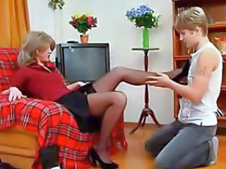Amateur Mature Mom Pantyhose