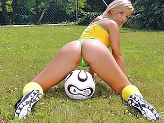Most men's dream is to watch football without fighting their wives or girlfriends. Well, gentlemen, it's certainly not time for fighting. Candy knows what to use the ball for, and she is even able to make a whole football-ground a huge bedroom. So the the