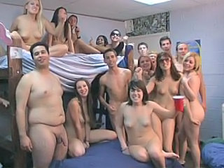 Groupsex Party Student
