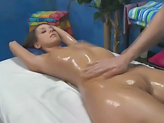 Oil massage of perfect body