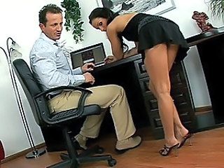 Brunette babe in foot job act
