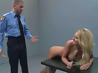 Cop investigates her hot ass