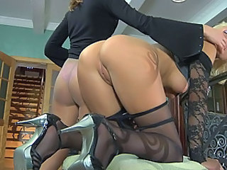 Two lezzies in nylon tights go for sensual tongue kissing and clam-diving
