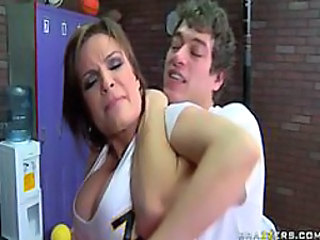 Diamond Foxxx - Giving it up in Gym class