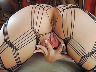 Check out Aiden's solo gallery. She's wearing a fucking hot outfit that will sure turn you on. Watch Aiden as she plays with her beautiful juicy pussy, then finger it and inserts a massive dildo to fuck her wet cunt. She then has some further fun with gei