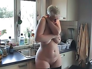 Big ass mature naked in her kitchen