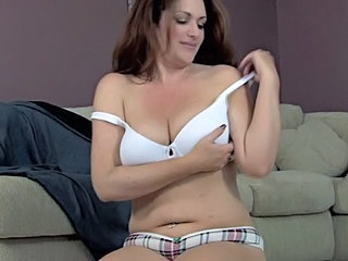 "Amazing Mature Mastirbating, part 2"" target=""_blank"