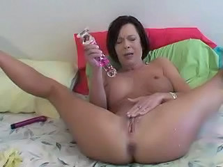 Brunette Dildo Masturbating Mature Natural Shaved Squirt