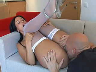 Desperate wife Simone Peach...