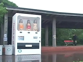 Amazing Human Vending Machine!