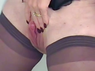 You Like My Big Mature Clit