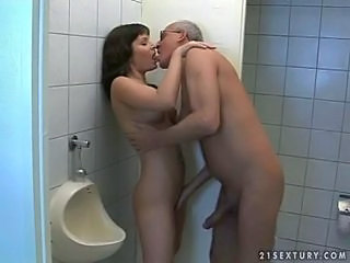 Brunette Hardcore Kissing Older Old and Young Teen Toilet Young