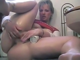 Amateur Masturbating MILF Squirt Toy