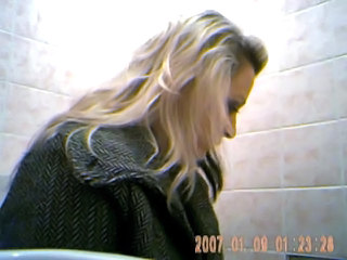 Amateur Blonde Teen Toilet Young