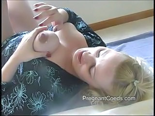 Chubby Blonde Mom Has Lactating Tits And Is Squeezing Out Milk