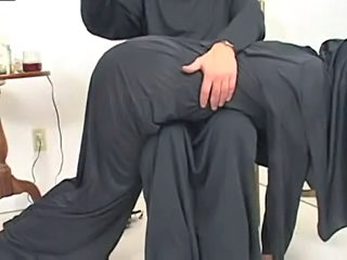 Nonne Spanking Uniform