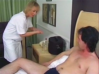 Brit Mature Masseuse Does The Business In The End !