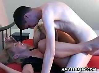 Amateur homemade threesome with 2 Milfs and a young guy _: amateur blowjobs group