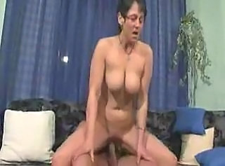 Hardcore Mature Mom Natural Riding