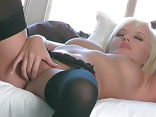 Jodies Starr rips her twat apart trying to make it wet and cum