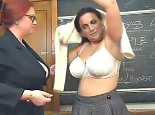 Chubby student stays after classes to lick on pussy of her lesbian ...