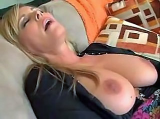 Mature housewife feels so horny