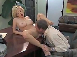 Super Hot MILF Holly Sampson 11