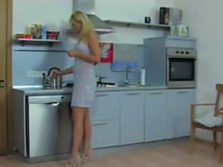 Amateur Blonde Kitchen MILF Russian