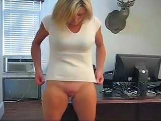 Blonde MILF Pussy Shaved Solo Webcam
