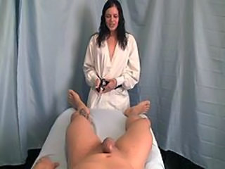 Amateur Brunette Handjob Massage Ados