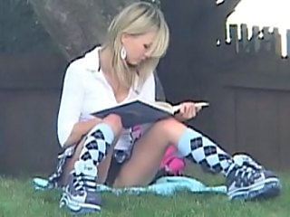 Schoolgirl Kasia showing off