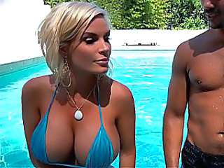 Amazing Big Tits Bikini Blonde Cute MILF Outdoor Pool