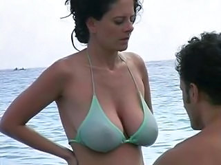 Beach Big Tits Bikini MILF Natural Outdoor SaggyTits