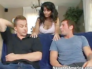 Amazing Brunette Groupsex MILF Threesome